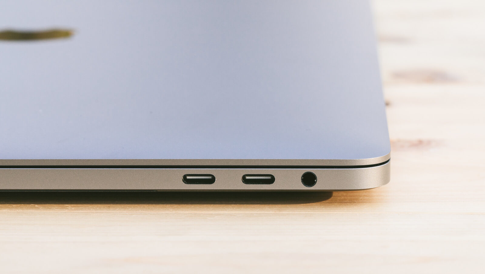 MacbookのUSBtype-cコネクタ